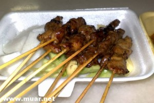 Muar Chinese Food :: Pork and chicken satay