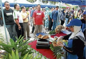 10,000 take part in Muar Council event