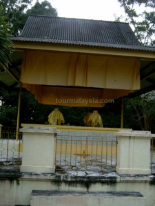 Sultan Alauddin Riayat's Tomb