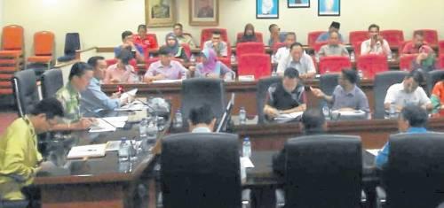 麻坡县署举行的旅游局官员及各与旅游相关行业业者王城旅游汇报会及交流。