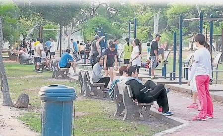 丹绒格达邦于5月落实禁车休闲区后, 吸引更多市民前来晨运与休闲。