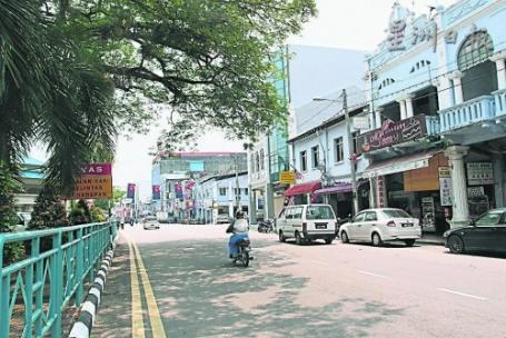 """王城""添光彩‧麻市裝藝術路燈 [Art decorated lamp posts are installed in Muar]"