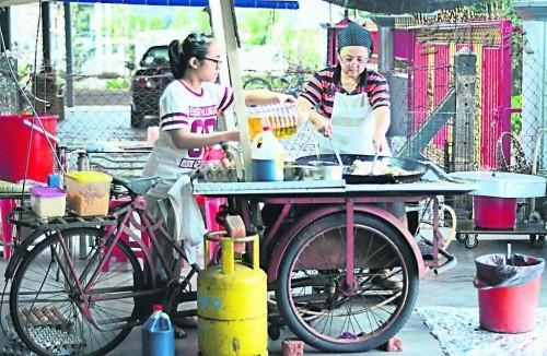 峇吉里巴口新村僅此一家‧黑炒粿甜而不膩 (Black Char Koay at Bukit Bakri)