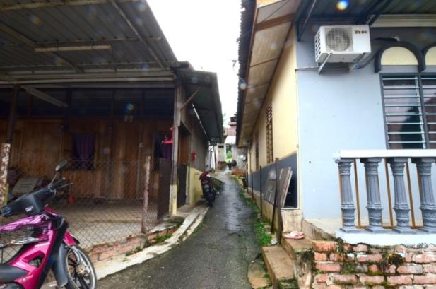 Hokkiens in Hainanese village [巴莪十九支]